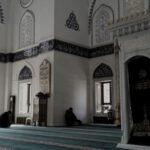 Ketentuan Shalat Jumat dan Memakmurkan Masjid di Saat Wabah Penyakit Menular